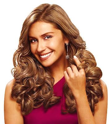 cabelos femininos ondulados delegada Salve Jorge
