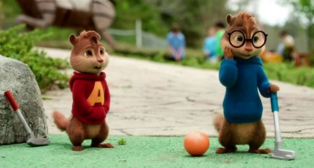 Alvin_and_the_Chipmunks_The_Road_Chip_imagen_pel%25C3%25ADcula_jugando_al_golf-e1446639776791.jpg