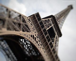 Eiffel Tower Paris, France HD Wallpaper