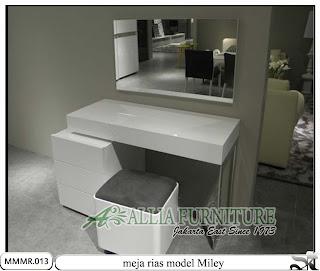 Meja rias minimalis modern desain Miley