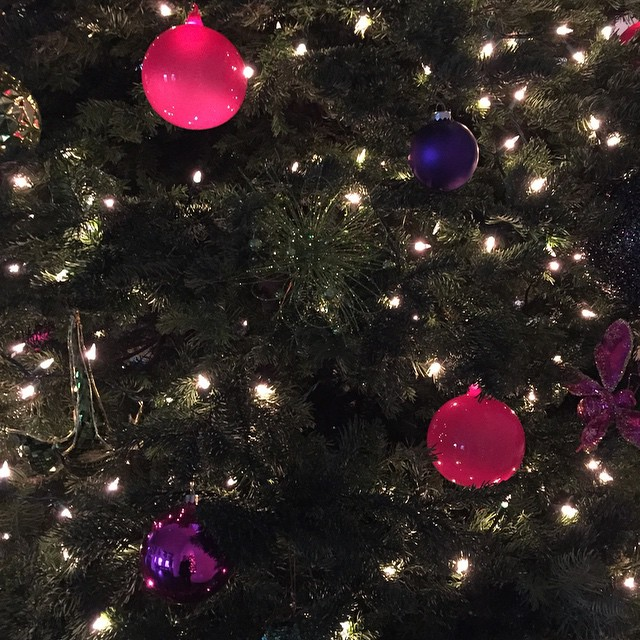 The Best Of Celebrity Christmas Trees @kourtneykardash - Cool Chic Style Fashion