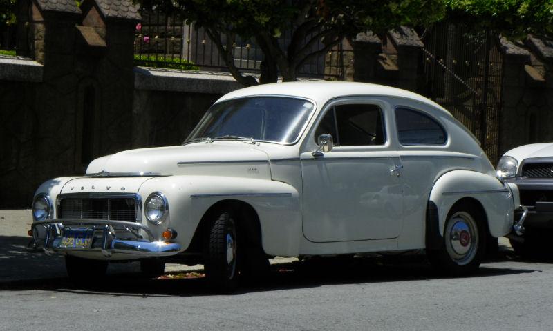 California Streets: San Francisco Street Sighting - 1964 Volvo PV544