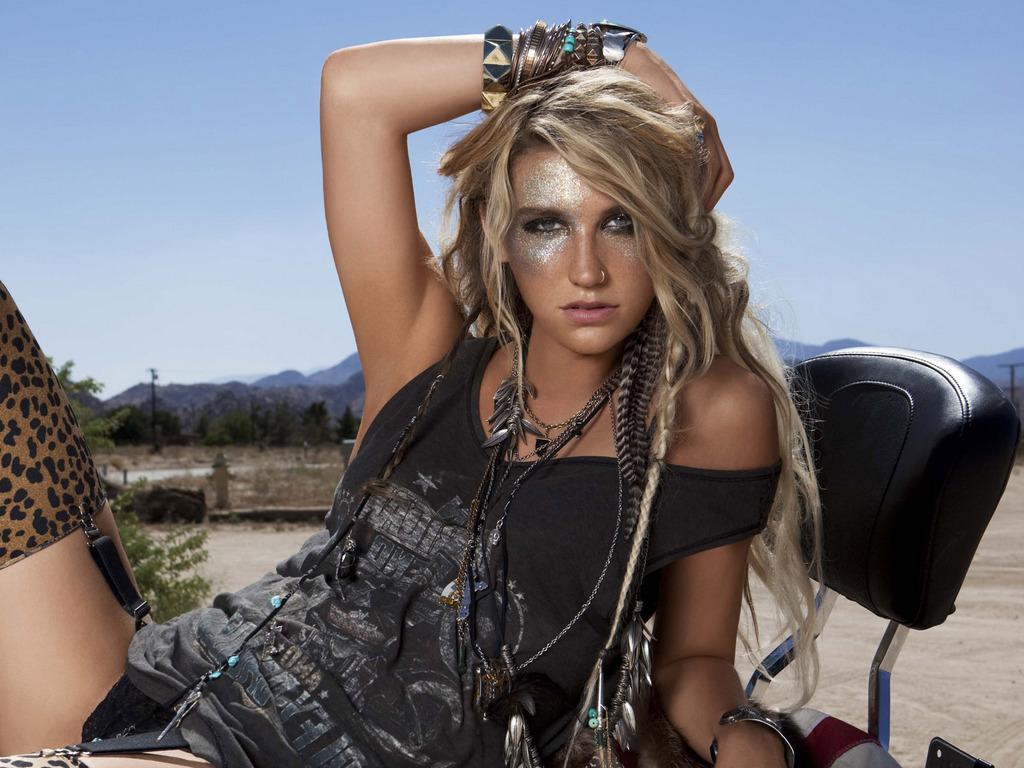 http://3.bp.blogspot.com/-4-6UZyLhp1U/T08ndnERKCI/AAAAAAAAGVs/qWTdhKLsDvc/s1600/Kesha-Hot-Wallpapers-3.jpg