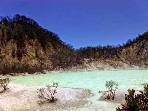 Kawah Putih Ciwidey - tempat wisata di bandung yang menawan