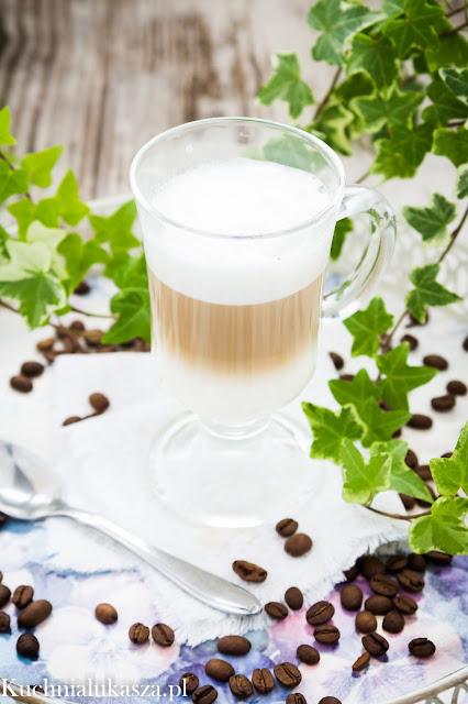 Jak zrobić kawę latte bez ekspresu?