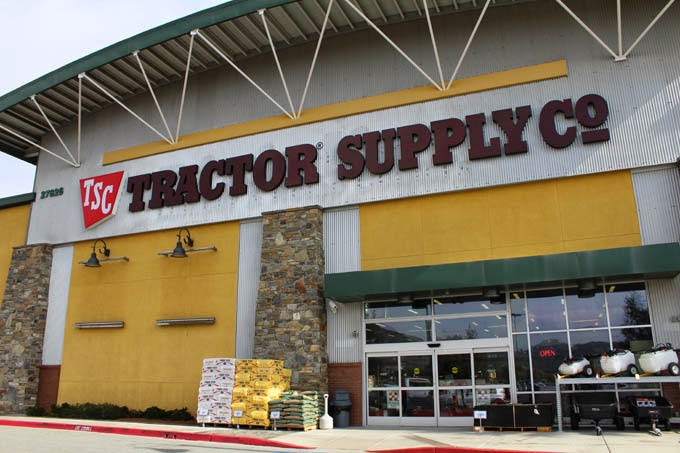 Tractor Supply Factory : Tractor supply co opens store on clinton keith road