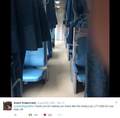 Lokmanya Tilak Hazrat Nizamuddin AC Express inside