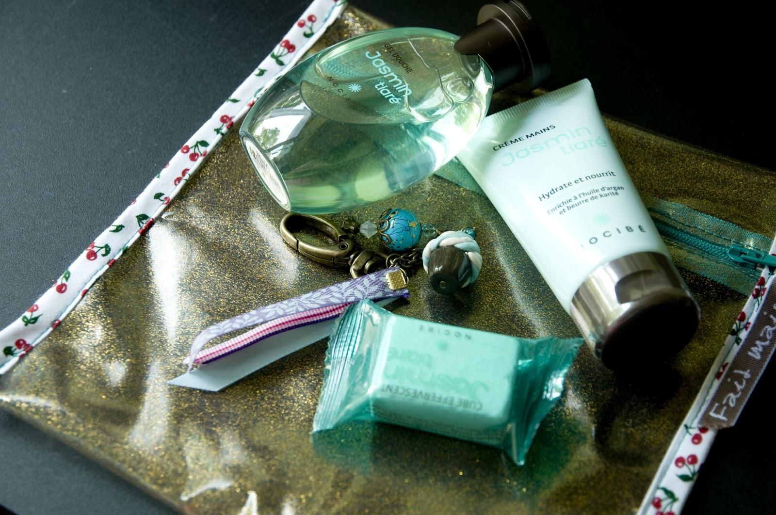 Blog couture tricot mamzelle angele coudre les cadeaux de fin d 39 ann e de - Porte photo fait maison ...