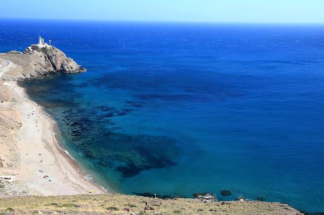 Recorriendo la costa de El Parque Natural Cabo de Gata por mar y tierra