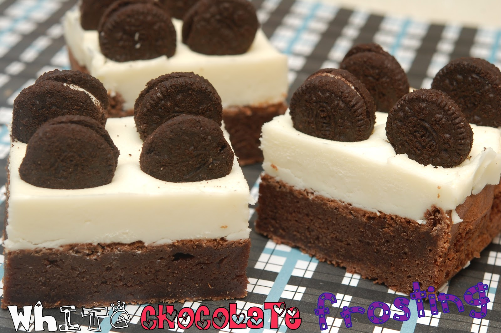 WHITE CHOCOLATE FROSTED OREO BROWNIE BARS - Hugs and Cookies XOXO