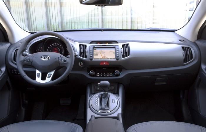 a car Kia Sportage 2013
