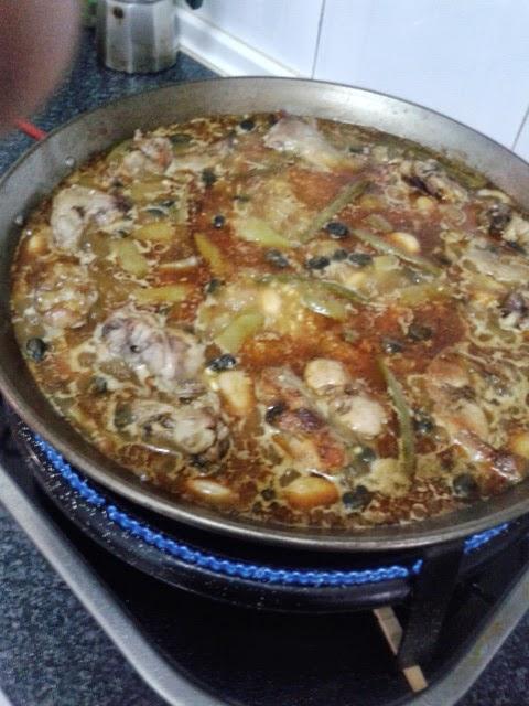Cocina con amor c mo se hace el arroz en paella for Como se cocina el arroz