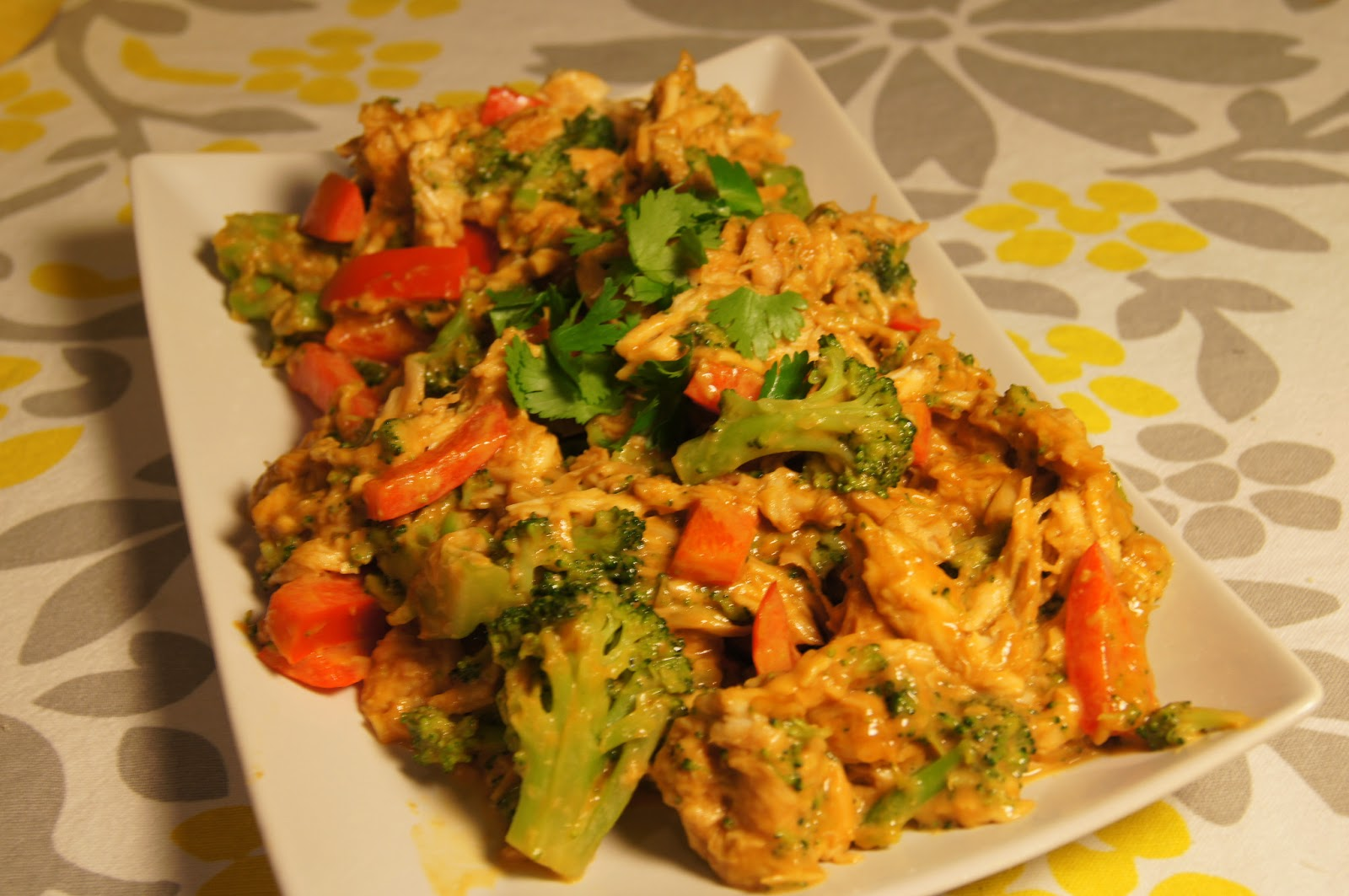 Chicken, Broccoli, and Red Bell Peppers with Peanut Butter Dressing ...