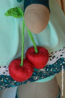 текстильная игрушка вишня