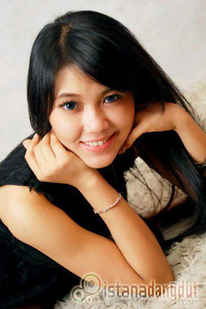 Download Dangdut Sera 2012 - 100 persen salah koplo