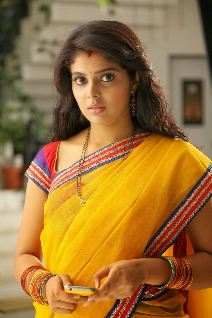 FACEBOOK GIRLS: Tamil girl Shravya from chennai facebook upload photos