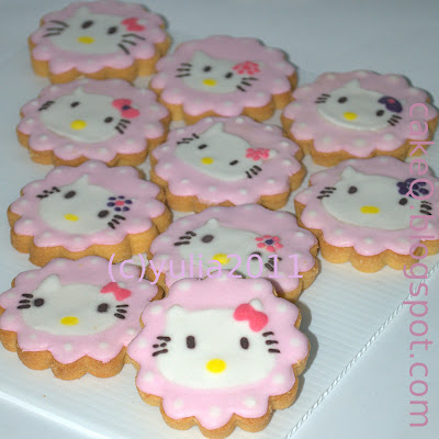 Cake~Q: Hello Kitty Cookies