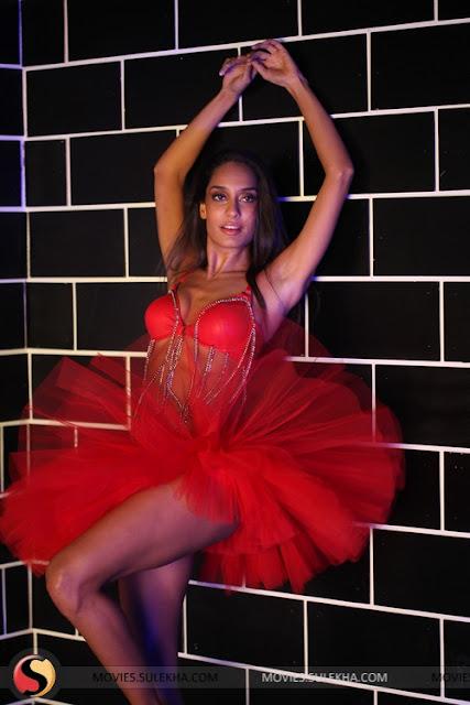 Lisa Haydon  - Lisa Haydon Hottest Pics
