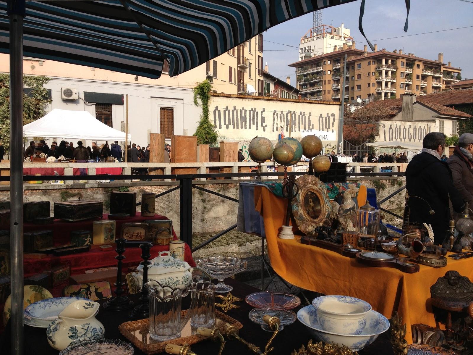Bike heels navigli sunday flea market for Milan food market