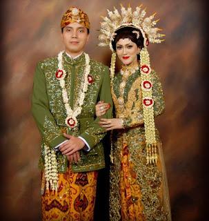 Tradisional Sabang - Merauke: Pakaian Adat Jawa Barat