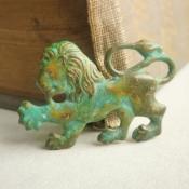 Rampant lion vintage brooch