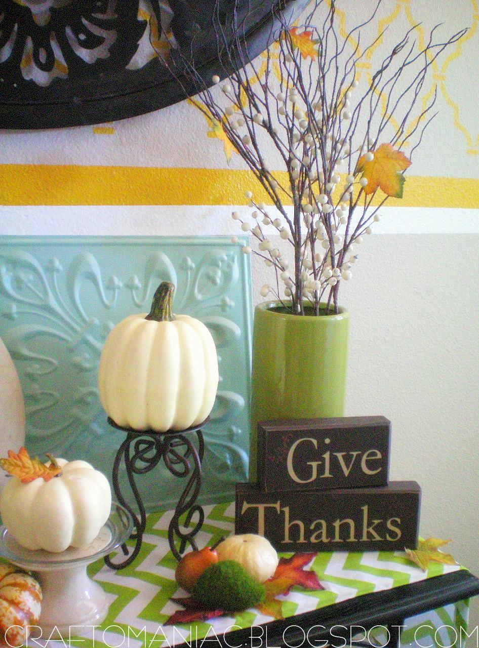 Home decor festive for thanksgiving craft o maniac for Thanksgiving home decorations
