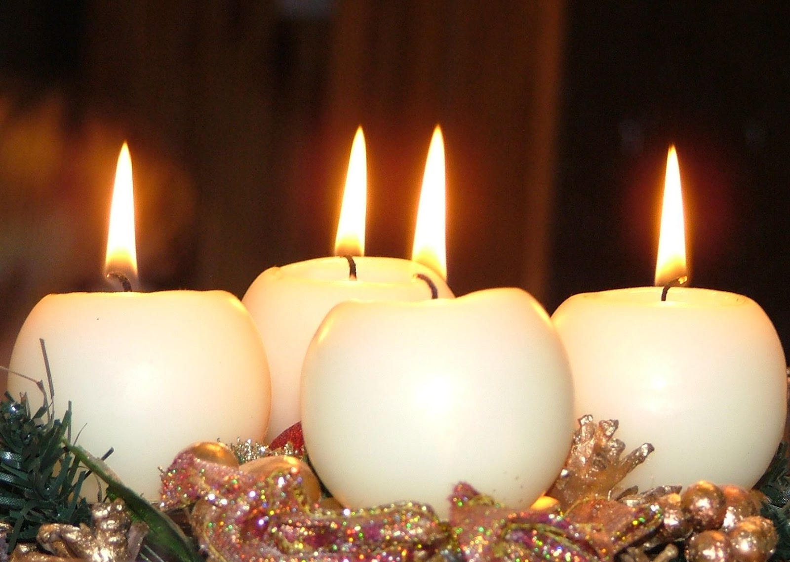 Christmas candle lights table decorations ideas images for Decorating ideas with candles