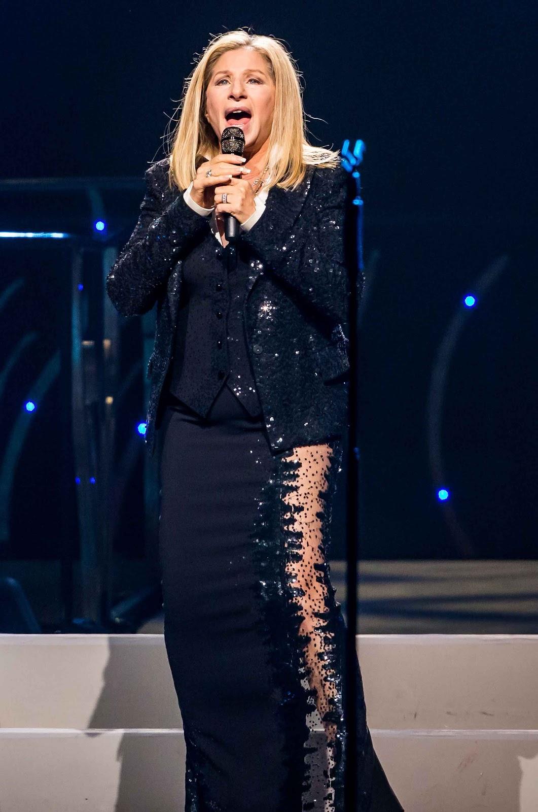 http://3.bp.blogspot.com/-42KOkcc5ivQ/UJctzcoC-CI/AAAAAAACmn0/znstUph--Ts/s1600/Legend+Barbra+Streisand.jpg