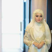 Hijab Gaun Pengantin Syar'i