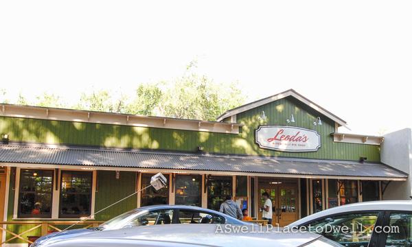 Leoda's in Maui