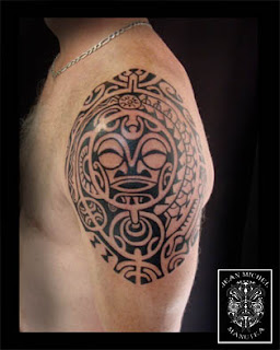 Tatouage polynesien polynesian tattoo tiki for Polynesian tiki tattoo