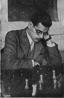 Antonio Medina jugando ajedrez
