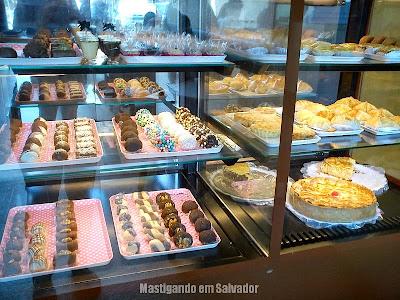 Doce Vanilla: Vitrine de Tortas Salgadas e de Doces da loja de Vilas do Atlântico