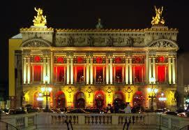 قصر غارنييه أو دارالأوبرا في فرنس