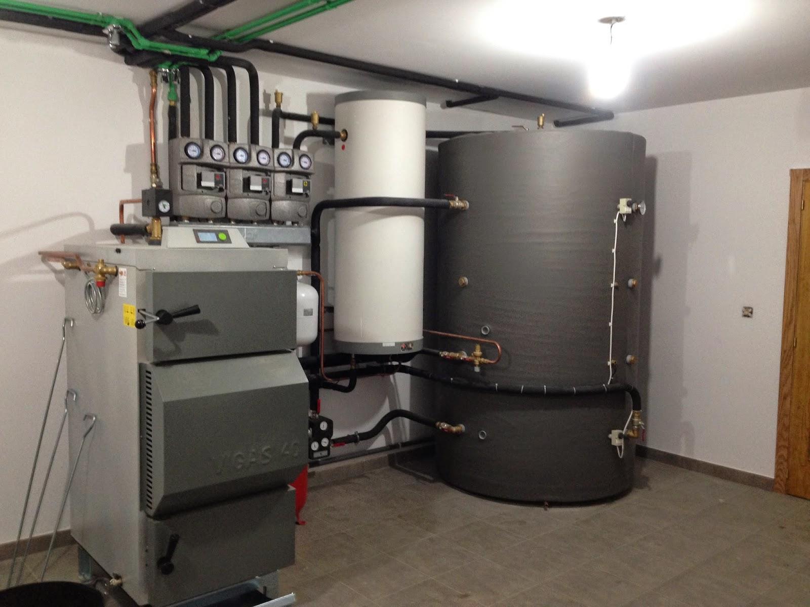 Instalaci n de caldera de le a en castropol asturias for Calderas para calefaccion central a lena