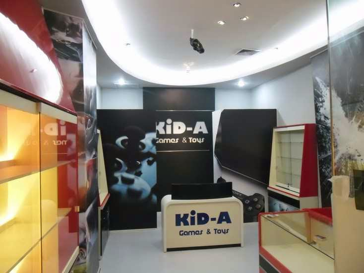 display etalase diecast game mainan anak anak semarang 02