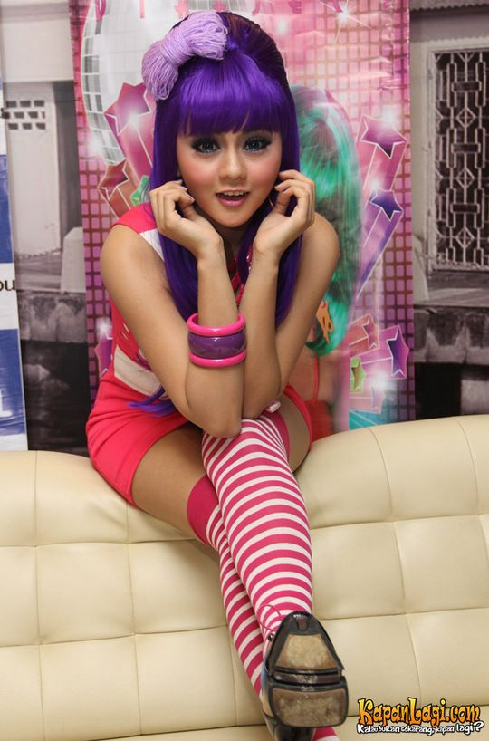 Foto Jenita Janet Katy Perry Indonesia