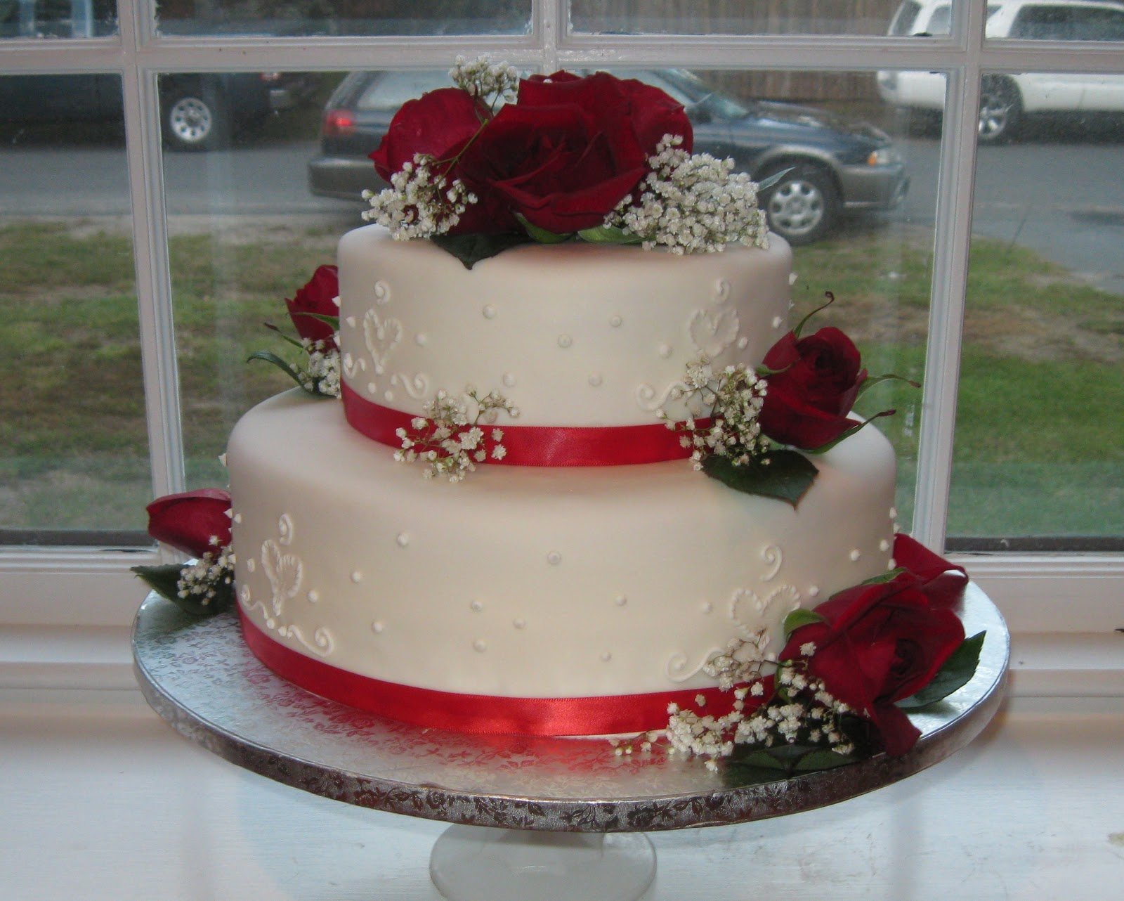 Cake Decorating Ideas For Ruby Wedding : Baking Outside the Box: Decorated Cakes