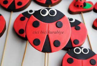 uğur böceği kurabiyeler