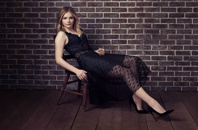 Chloe Moretz's sexy legs in black high heels