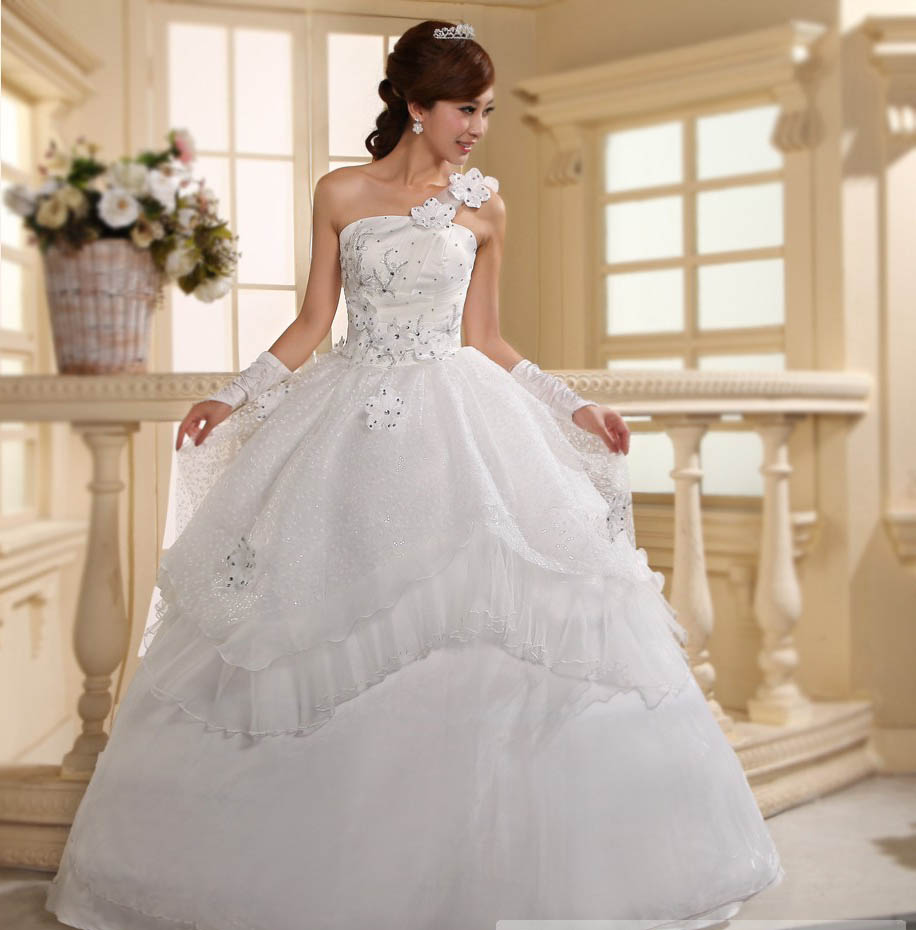 Lace Wedding Ball Gowns