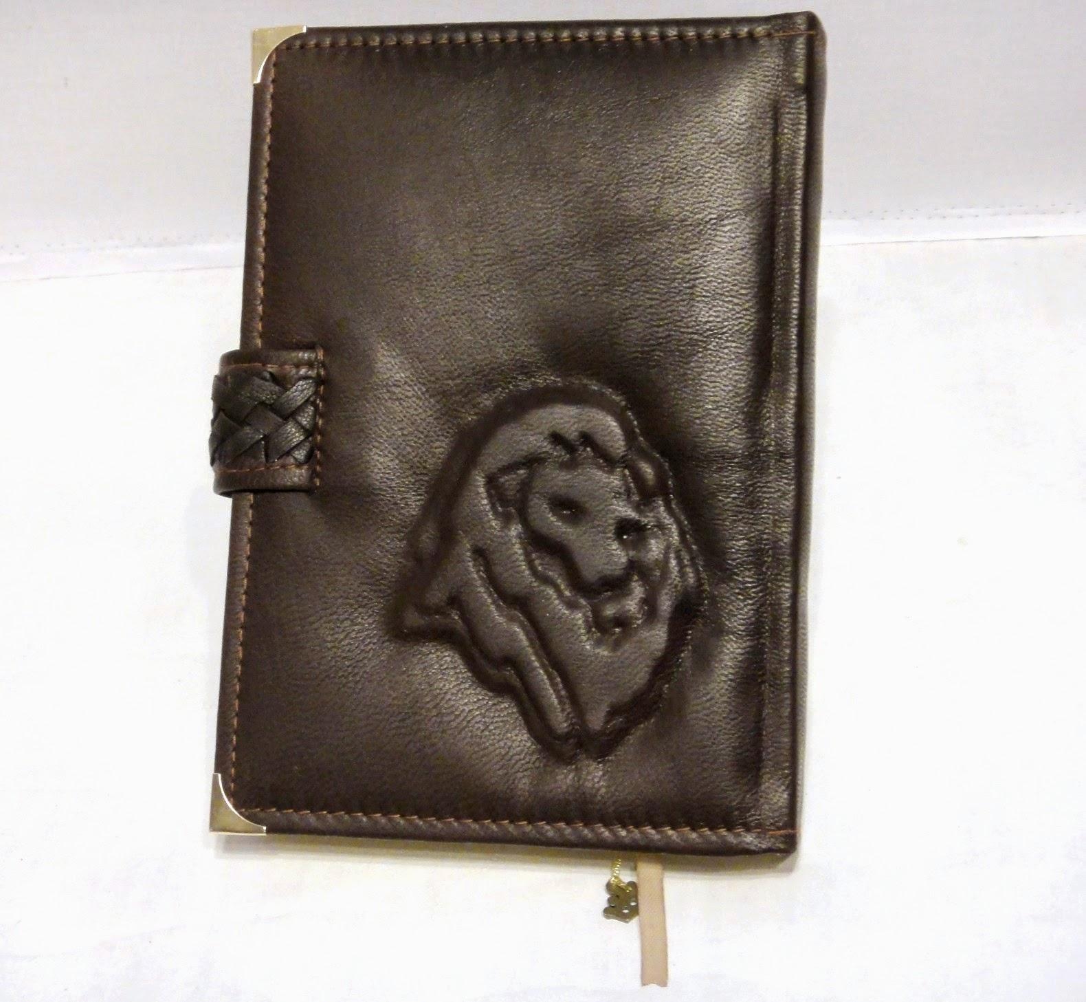 Ежедневник коричневый из натуральной кожи. Подарок мужчине - льву (по знаку Гороскопа Лев)