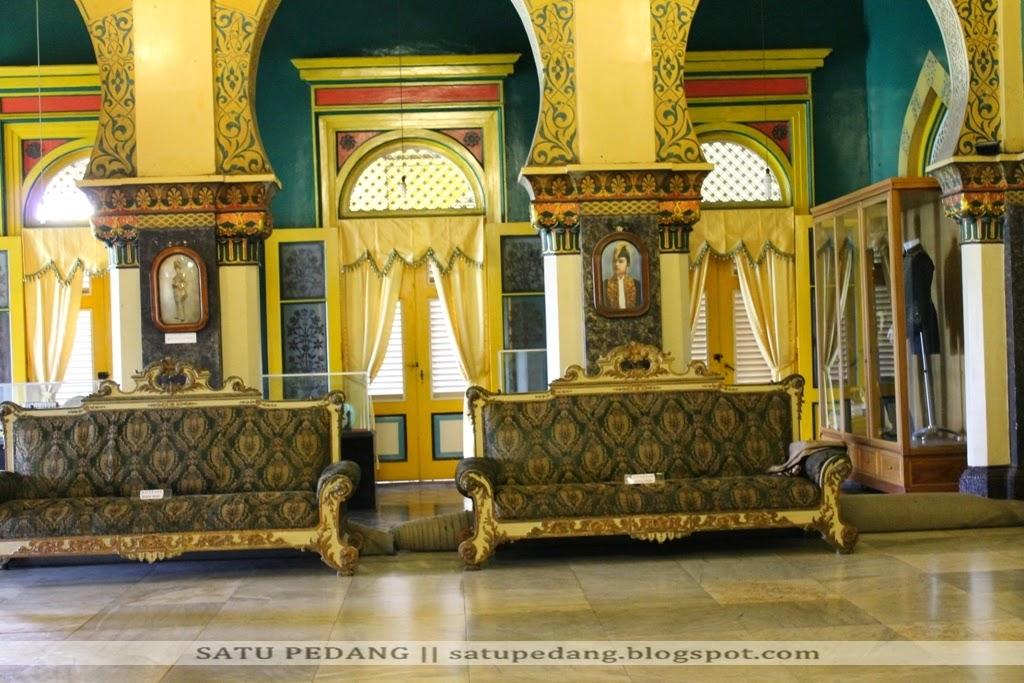 Sejarah Istana Maimun dan Meriam Puntung