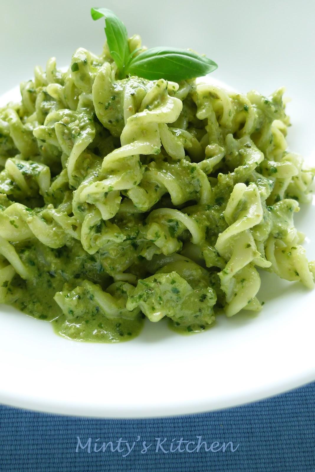 Minty's Kitchen: Basil Pesto Pasta