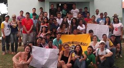 """Jovens realizam projeto """"Caravana Missionária"""", em Nova Venécia (ES)"""