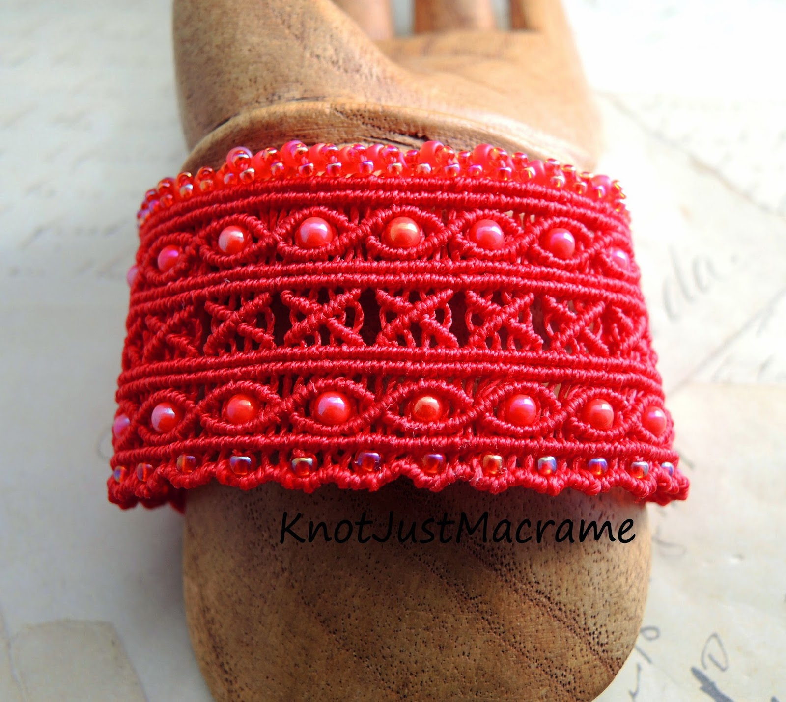 Wide macrame cuff design class by Sherri Stokey
