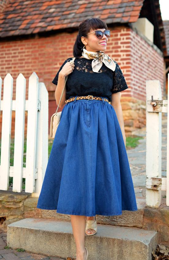 Midi skirt street style