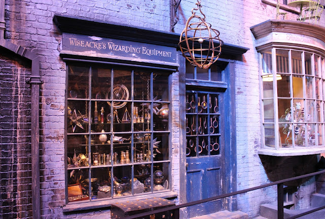 A picture of Wiseacre's Wizarding Equipment in Diagon Alley