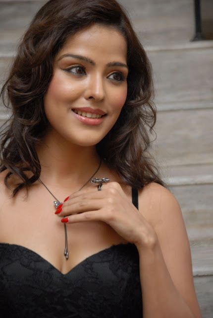 Priyanka Chabra latest stills