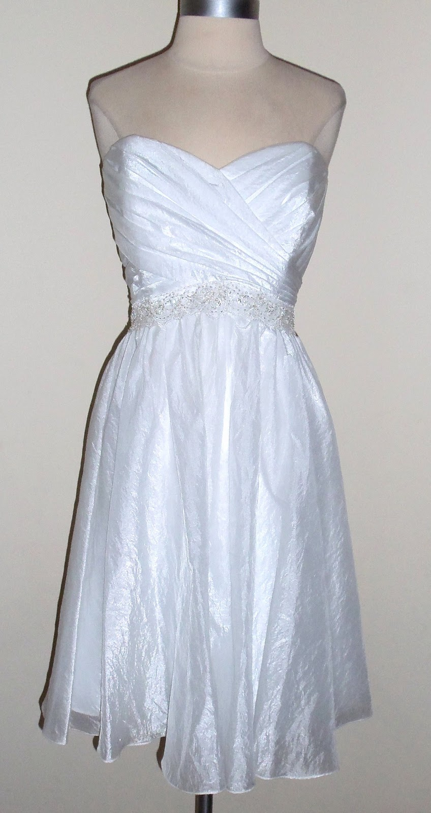 Thrifty chic shop alfred angelo short wedding dress size 14 for Alfred angelo black and white wedding dress